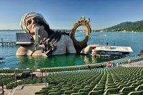 Scena na Jeziorze Bodeńskim w Bregencji