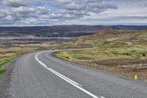 Serpentyny w kierunku doliny rzeki Þjórsá
