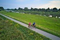 Szlak rowerowy po wałach Wisły