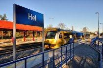 Szynobus na stacji w Helu