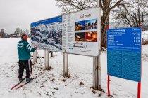 Tablica informacyjna systemu tras w Kulm