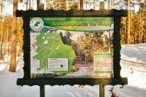 Tablica na ścieżce przyrodniczej