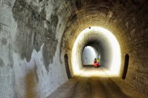Tunel na kolejowej drodze rowerowej Val di Fiemme