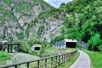 Tunele pod Bolzano: autostradowy, drogowy i rowerowy