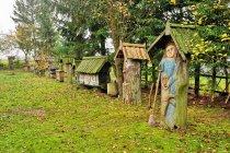 W ogrodzie pełnym sztuki Józefa Chełmowskiego