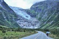 W stronę lodowca Boyabreen