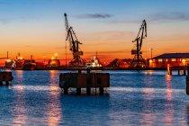 W Wismarze po zachodzie Słońca