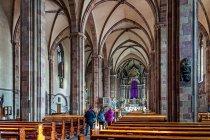 We wnętrzu katedry w Bolzano
