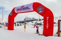 Wejście do szkółki narciarskiej w Compaccio - Compatsch