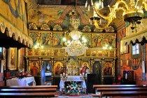 Wewnątrz cerkwi w Czarnej