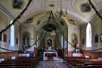 Wewnątrz kościoła w Pojanie