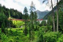 Wiadukt kolei retyckiej wpisanej na listę UNESCO