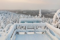 Widok na okolice ze wzgórza Pyhävaara