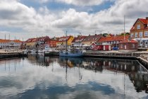 Widok na port w Allinge