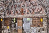 Wnętrze cerkwi w Calinesti