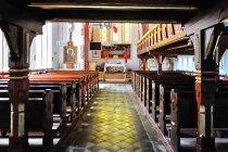 Wnętrze kościoła w Mierzeszynie