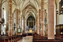 Wnętrze kościoła w Pergine Valsugana