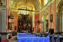 Wnętrze sanktuarium w Krośnie