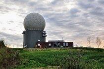 Wojskowy radar dalekiego zasięgu koło Chruściela