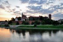Wschodzące Słońce nad Wawelem