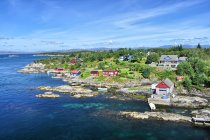Wybrzeża wyspy Ulvoyna