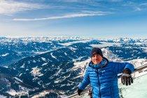 Z panoramą Alp w tle