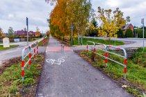 Zabezpieczenia przejazdów przy rowerowym szlaku