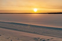Zachód Słońca nad jeziorem Torankijärvi