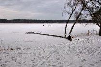 Zamarznięte jezioro Wiartel