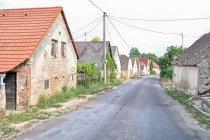 Zaniedbane domy na Morawach