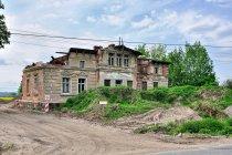 Zrujnowany dom w Wielkim Zajączkowie