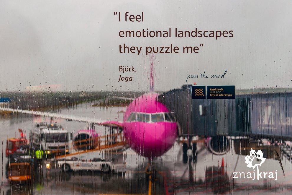 Björk na lotnisku w Keflaviku