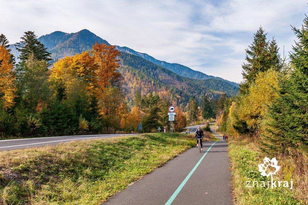 Droga rowerowa koło Tatrzańskiej Kotliny