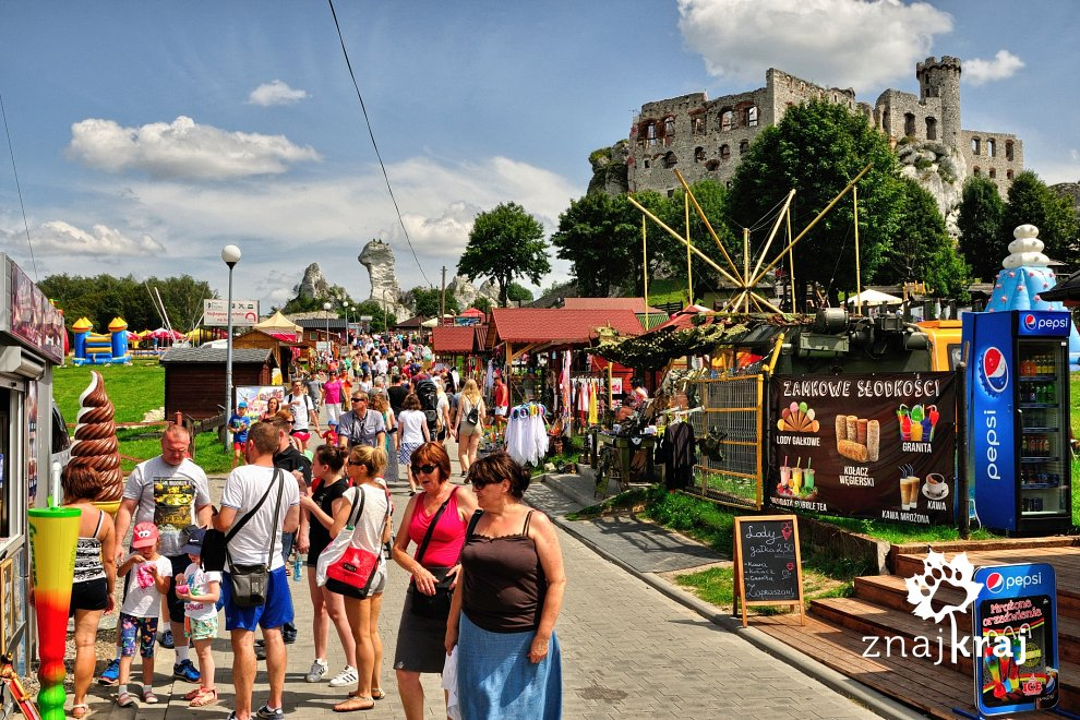 Festyn pod zamkiem Ogrodzieniec w Podzamczu