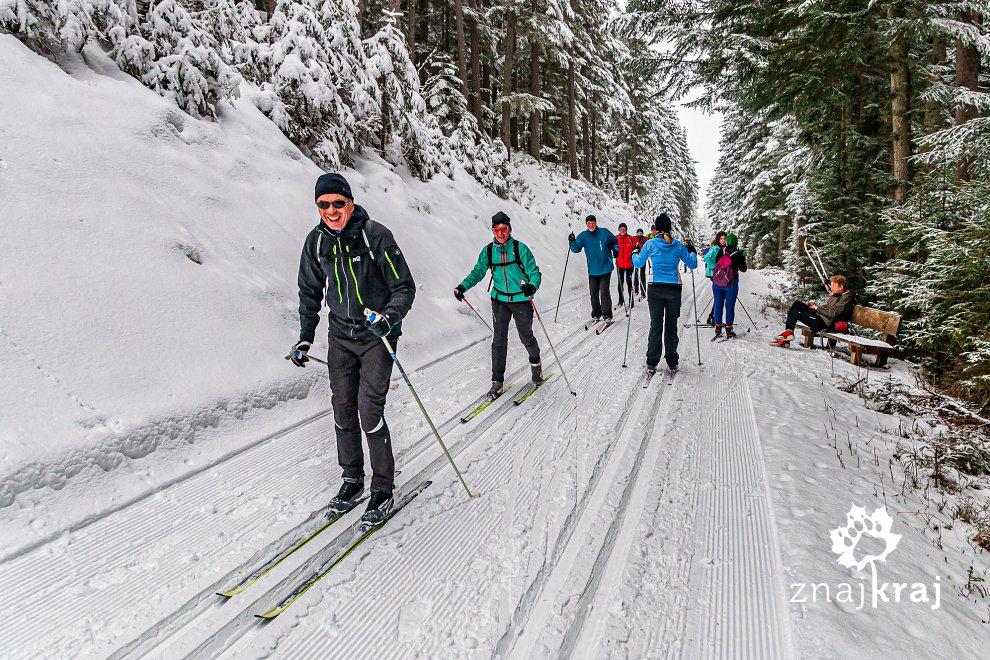 Wycieczka na nartach biegowych w austriackich Alpach