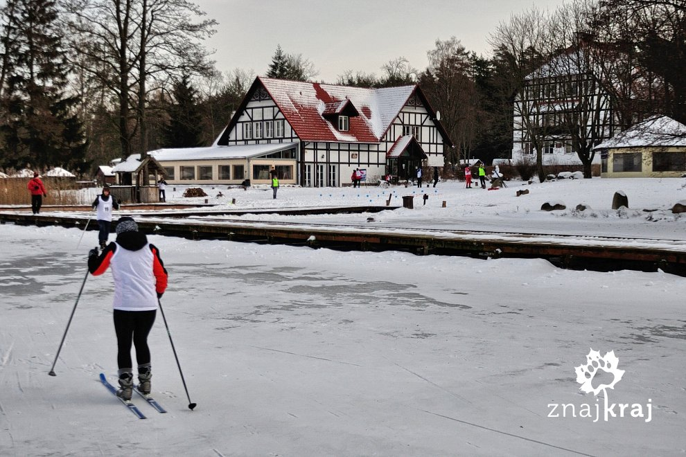 Hotel Jabłoń nad jeziorem Brzozolasek