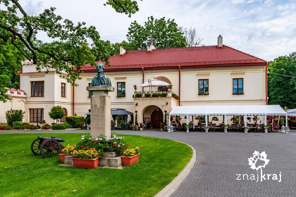 Hotel na zamku w Dubiecku
