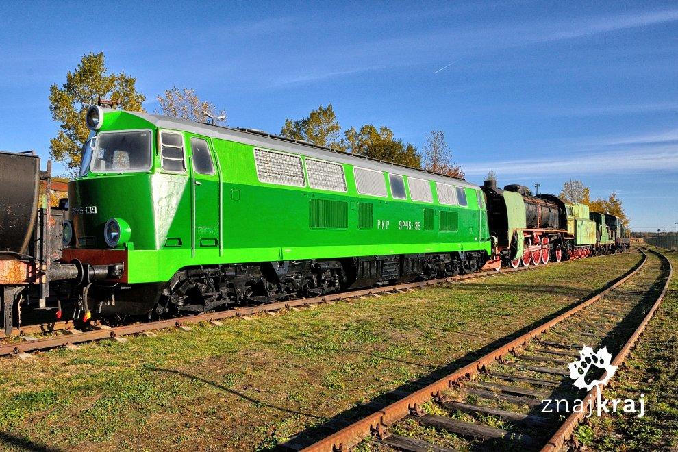 [Obrazek: lokomotywa-sp45-su45-w-muzeum-kolejnictw...a-1063.jpg]