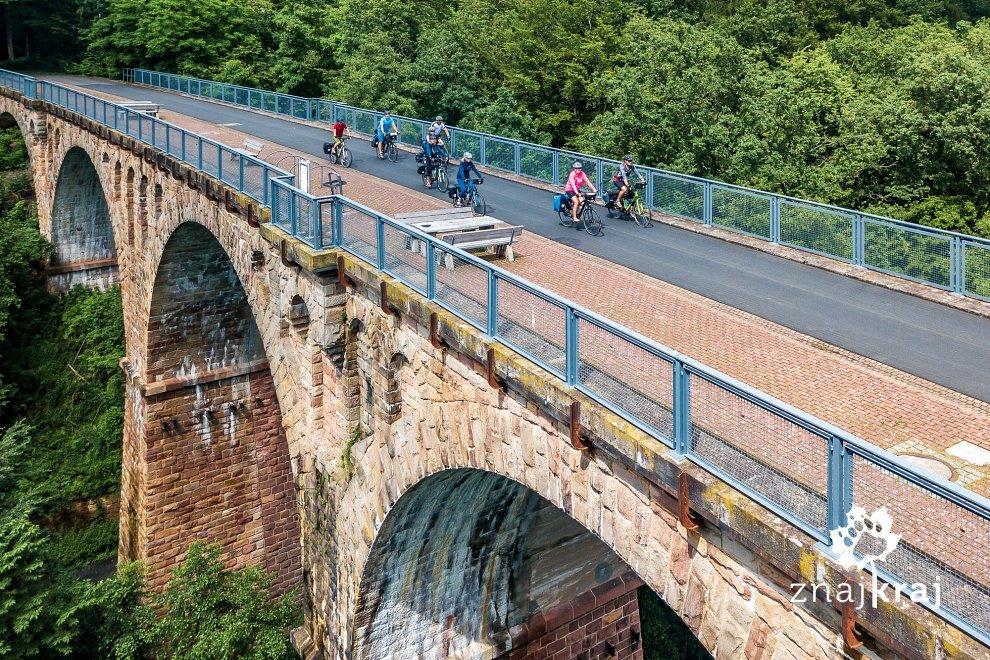 most-klausmarbach-na-drodze-rowerowej-he