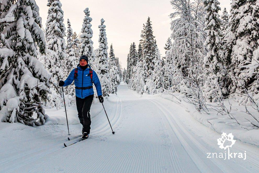 Na narciarskim szlaku w Finlandii