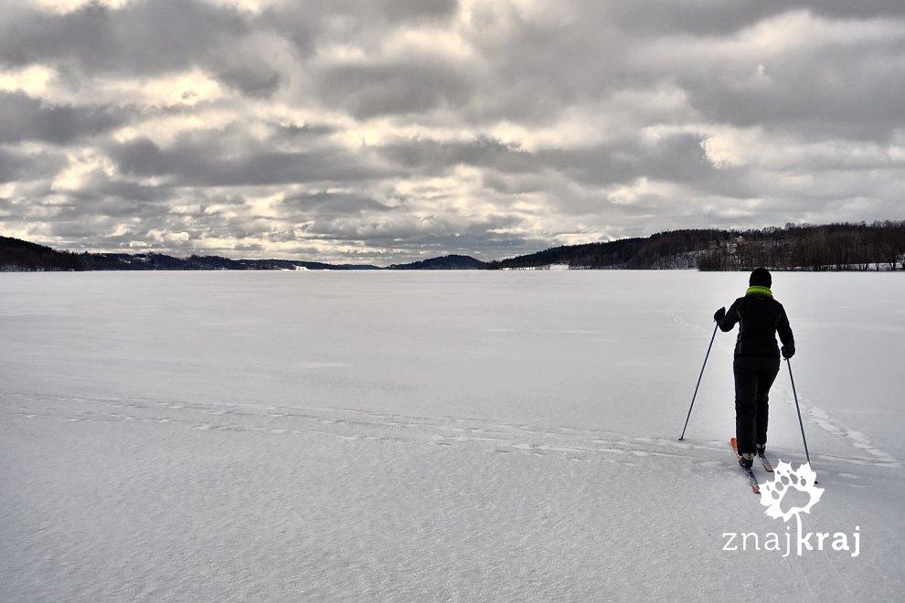 Na biegówkach po Jeziorze Raduńskim Górnym