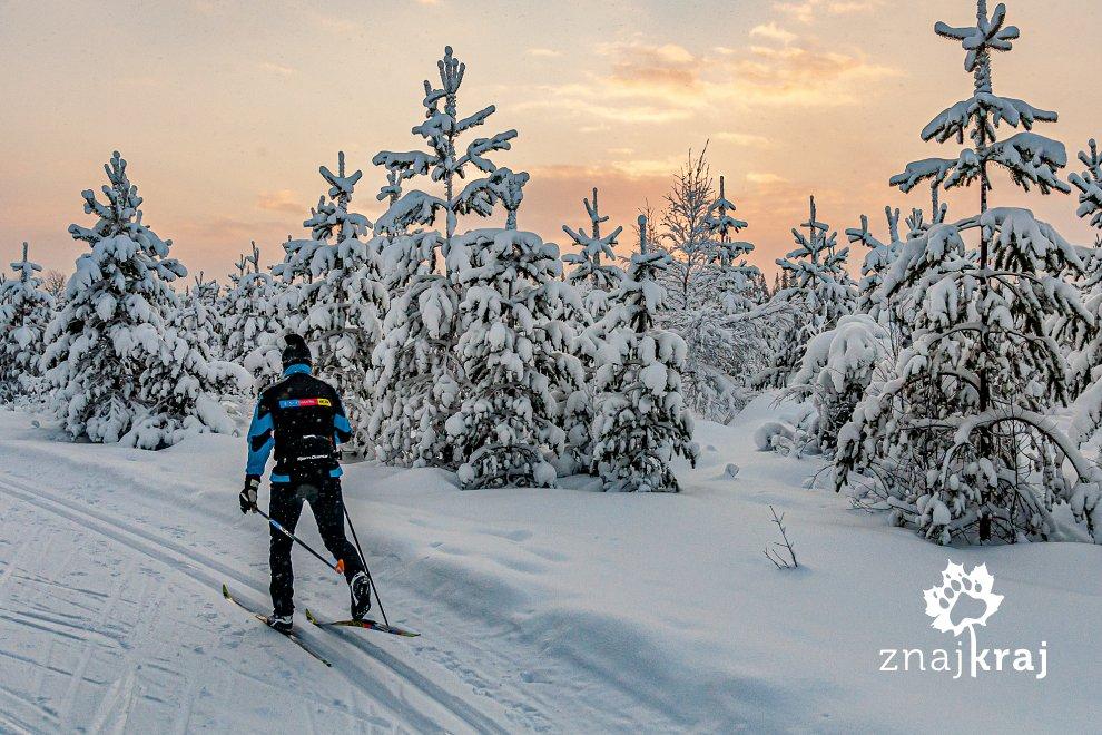 Na trasie narciarskiej koło Ruki