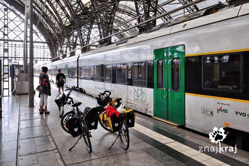 [Obrazek: pociag-mitteldeutsche-regiobahn-w-drezni...a-4615.jpg]