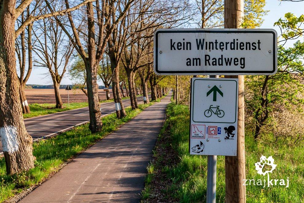 Drogowskazy niemieckich szlaków długodystansowych