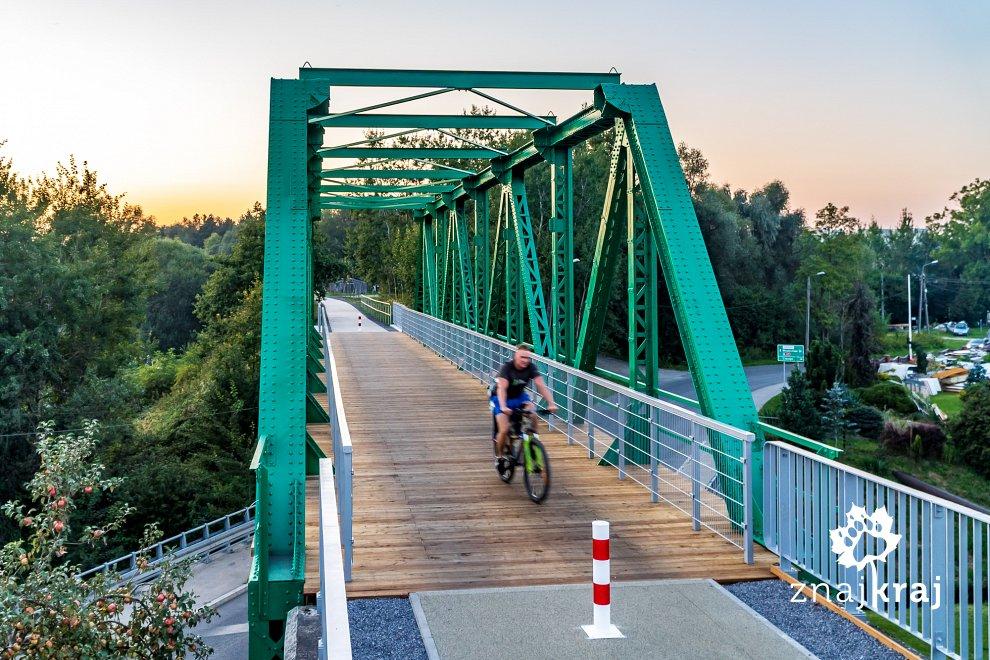[Obrazek: stary-most-kolejowy-na-zelaznym-szlaku-r...-02307.jpg]