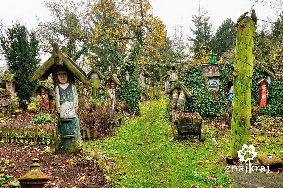 W ogrodzie sztuki Józefa Chełmowskiego