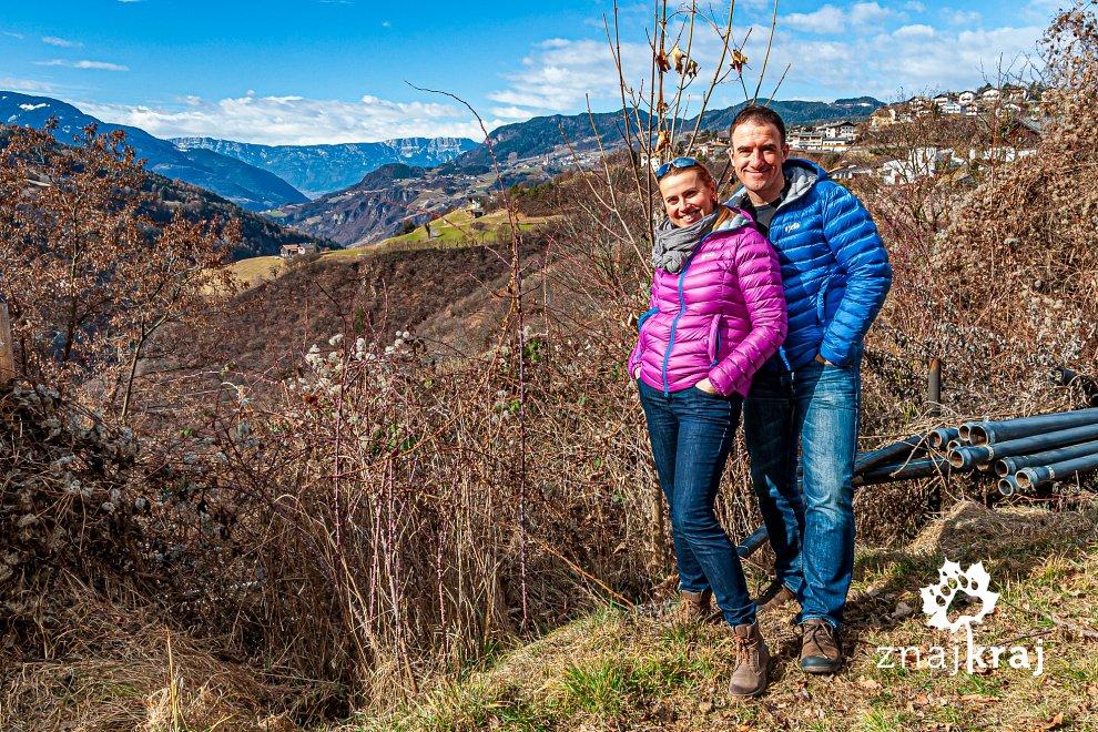 W jabłkowym sadzie w Dolomitach