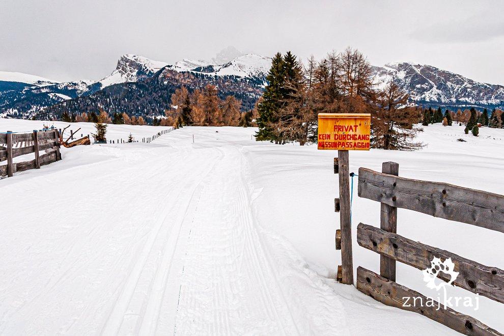 Droga zamknięta - wolna dla narciarzy