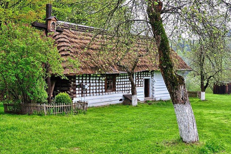 Chyża - łemkowska chałupa w Szymbarku