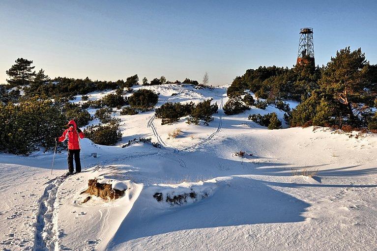 W tle dawna latarnia na Górze Szwedów